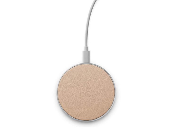 Bang & Olufsen Beoplay Charging Pad Natural